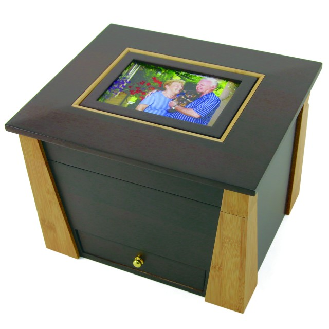 Craftsman Style Memory Chest with Photo Frame